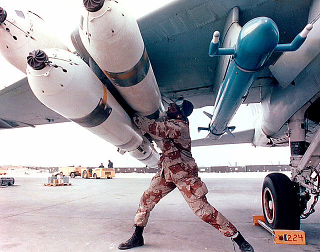 ECM pod AN/ALQ-167 mounted on A-6E Intruder